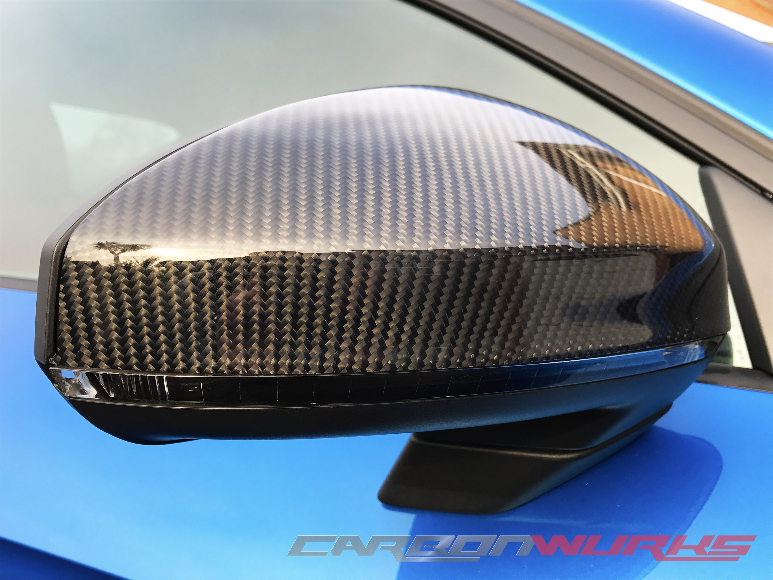 Audi TT/R8 Gloss Carbon Fibre Mirrors - With Lane Assist